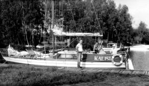 Jacht Kalisia w porcie